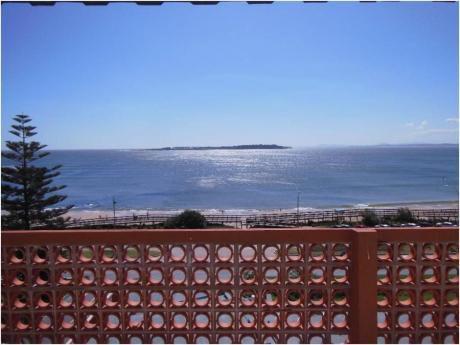 Apartamentos En Playa Mansa: Cro3350a