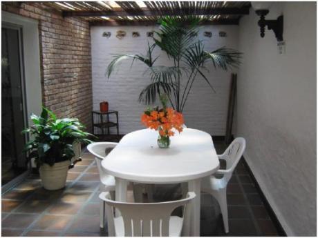 Apartamentos En Playa Mansa: Cro3353a