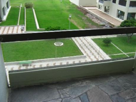 Apartamentos En Playa Brava: Cro347a