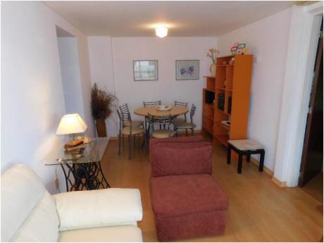 Apartamentos En Playa Mansa: Cro3746a