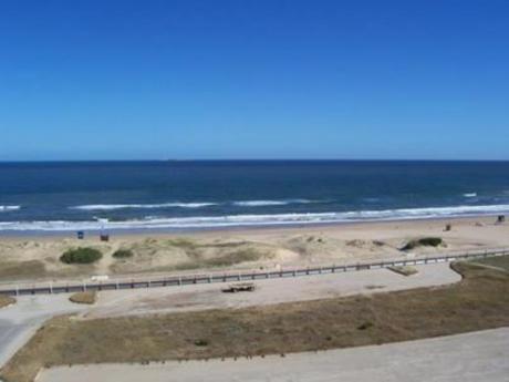 Apartamentos En Playa Brava: Cro434a