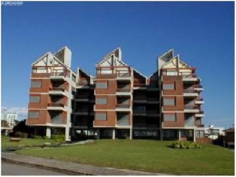 Apartamentos En Playa Brava: Cro438a