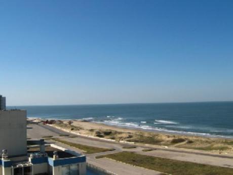 Apartamentos En Playa Brava: Cro482a