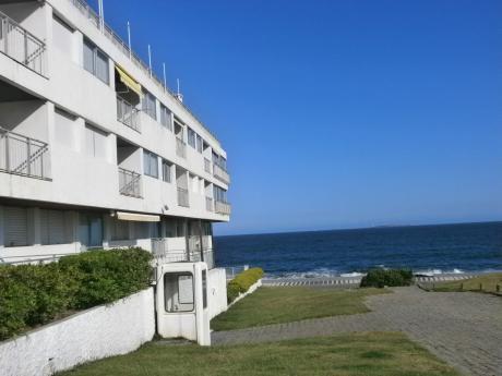 Espectacular Vista Con Terraza  Frente Al Mar