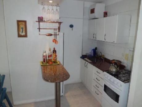 Apartamentos En Playa Mansa: Blt110a