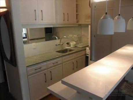 Apartamentos En Playa Mansa: Blt237a