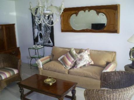 Apartamentos En Playa Mansa: Blt48a