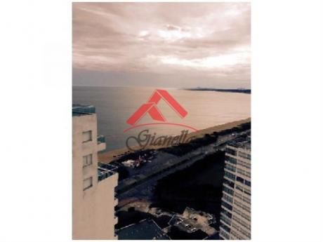 Apartamentos En Playa Mansa: Gll1266a