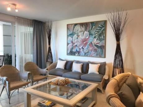 Apartamentos En Playa Brava: Idg153a