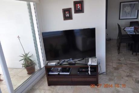 Apartamentos En Playa Mansa: Idg162a