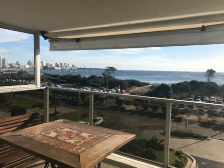 Apartamentos En Playa Mansa: Idg211a