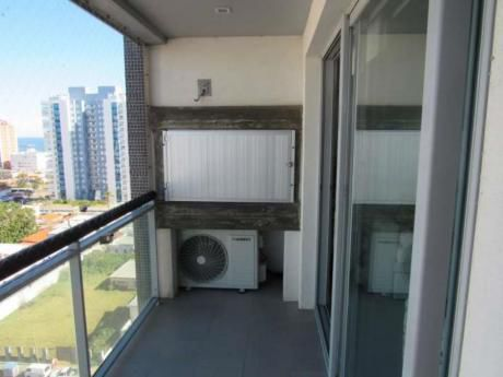 Apartamentos En Playa Mansa: Idg29a