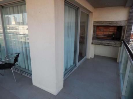 Apartamentos En Playa Mansa: Idg3a