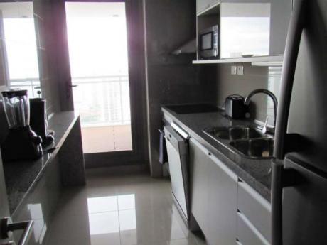 Apartamentos En Playa Mansa: Idg47a