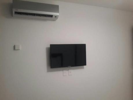 Apartamentos En Playa Mansa: Lmt108a
