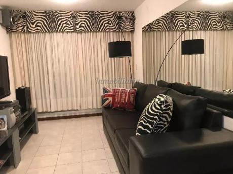 Apartamentos En Playa Mansa: Lmt232a