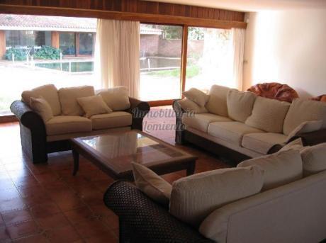 Casas En Playa Mansa: Lmt24c