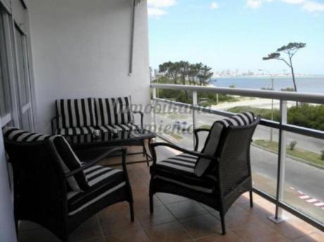 Apartamentos En Playa Mansa: Lmt257a