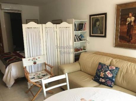 Apartamentos En Playa Mansa: Lmt265a