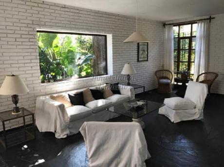 Casas En Playa Mansa: Lmt29c