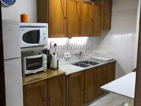 Apartamentos En Playa Mansa: Lmt347a