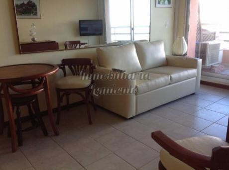 Apartamentos En Playa Mansa: Lmt367a