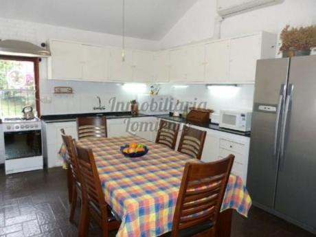 Casas En Playa Mansa: Lmt442c
