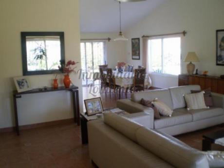 Casas En Playa Mansa: Lmt458c