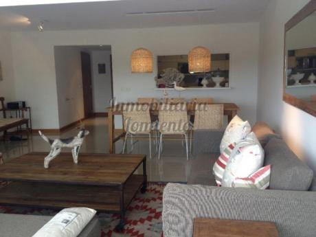 Apartamentos En Playa Brava: Lmt562a