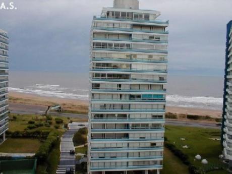 Apartamentos En Playa Brava: Sgt111a