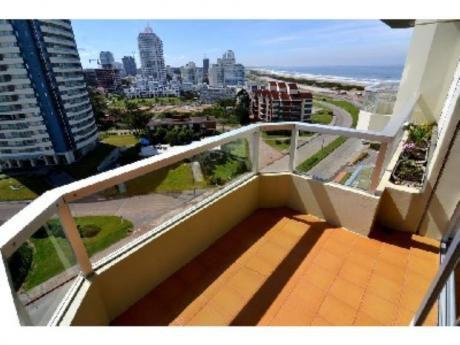 Apartamentos En Playa Brava: Sgt2233a