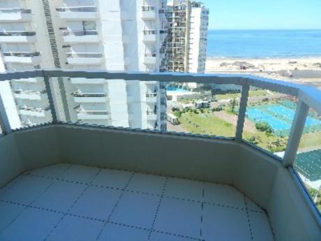 Apartamentos En Playa Brava: Sgt2241a