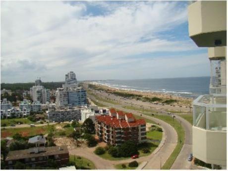 Apartamentos En Playa Brava: Sgt2251a