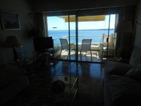 Apartamentos En Playa Mansa: Sgt2340a
