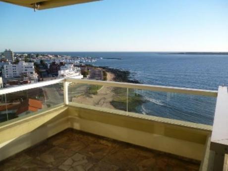 Apartamentos En Playa Mansa: Sgt508a