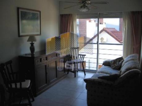 Apartamentos En Aidy Grill: Jyr1543a