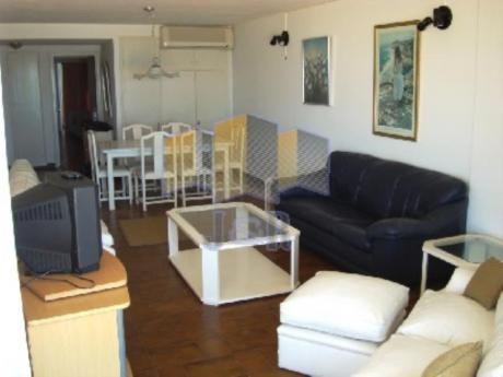 Apartamentos En Playa Brava: Jyr1595a