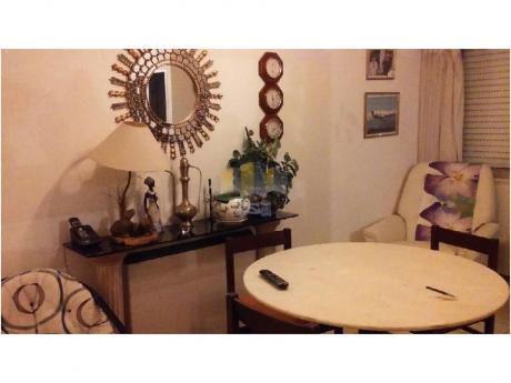 Apartamentos En Maldonado: Jyr1707a