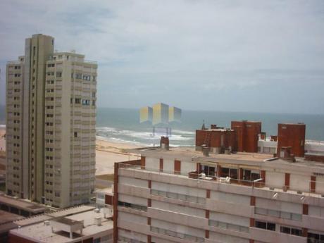 Apartamentos En Playa Brava: Jyr408a