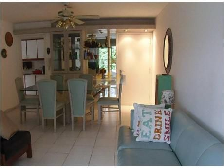 Apartamentos En Playa Mansa: Jyr669a