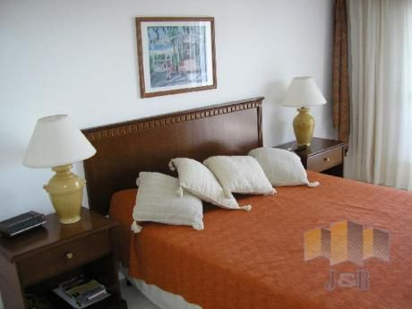 Apartamentos En Playa Brava: Jyr755a