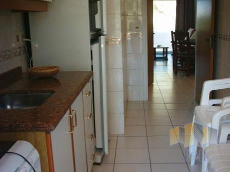 Apartamentos En Playa Mansa: Jyr881a