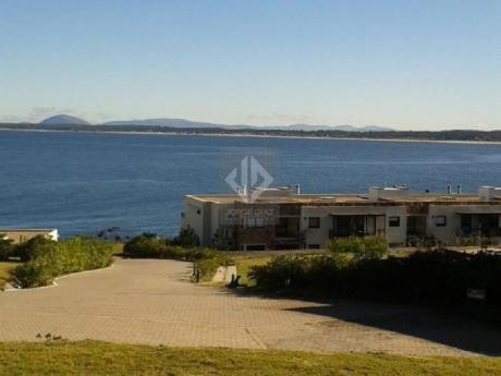 Apartamentos En Punta Ballena: Jdp1046a