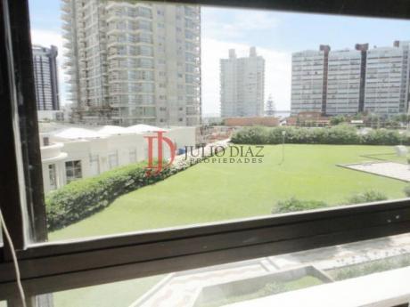 Apartamentos En Playa Brava: Jdi1010a