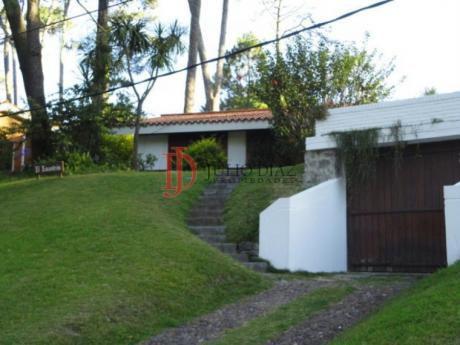 Casas En Playa Mansa: Jdi5887c