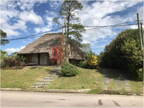 Casas En Pinares: Jdi5982c