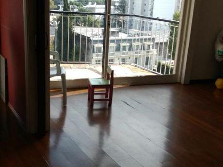 Venta Penthouse Pocitos 3 Dormitorios, Servicio Y Gge