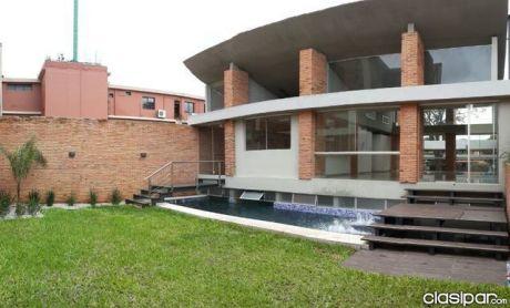 B° Jara - Prox. Leon Condou: Residencia Minimalista  - Premium - 600.000 Usd