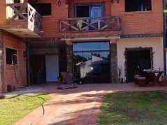 Alquilo Casa Ideal Para Vivienda Y Oficina En Barrio Los Laureles De Asuncion