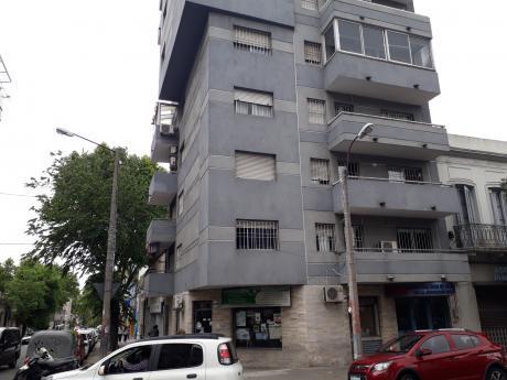 Apartamento De 2 Dormitorios Próximo A La Española